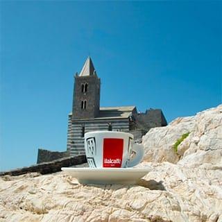 tazzina di caffè roccia